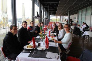 Gemeinsames Essen im Landtags-Restaurant - lecker und ein schöner Rahmen für lockere Gespräche.