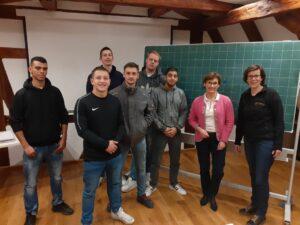 Landtagsabgeordnete Sabine Kurtz hat die Seehaus-Schule besucht und in Gemeinschaftskunde mit den Seehaus-Jungs über Politik diskutiert.